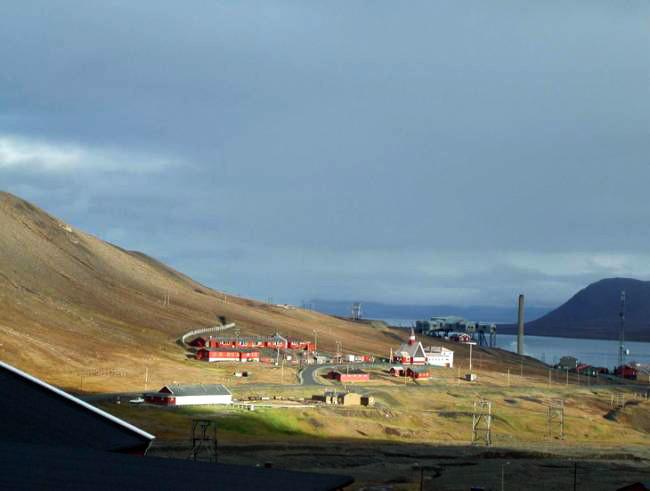 Berget som idag inhyser alla världens fröer i Svalbard, Longyearbyn. Foto. Else-Marie Karlsson Strese