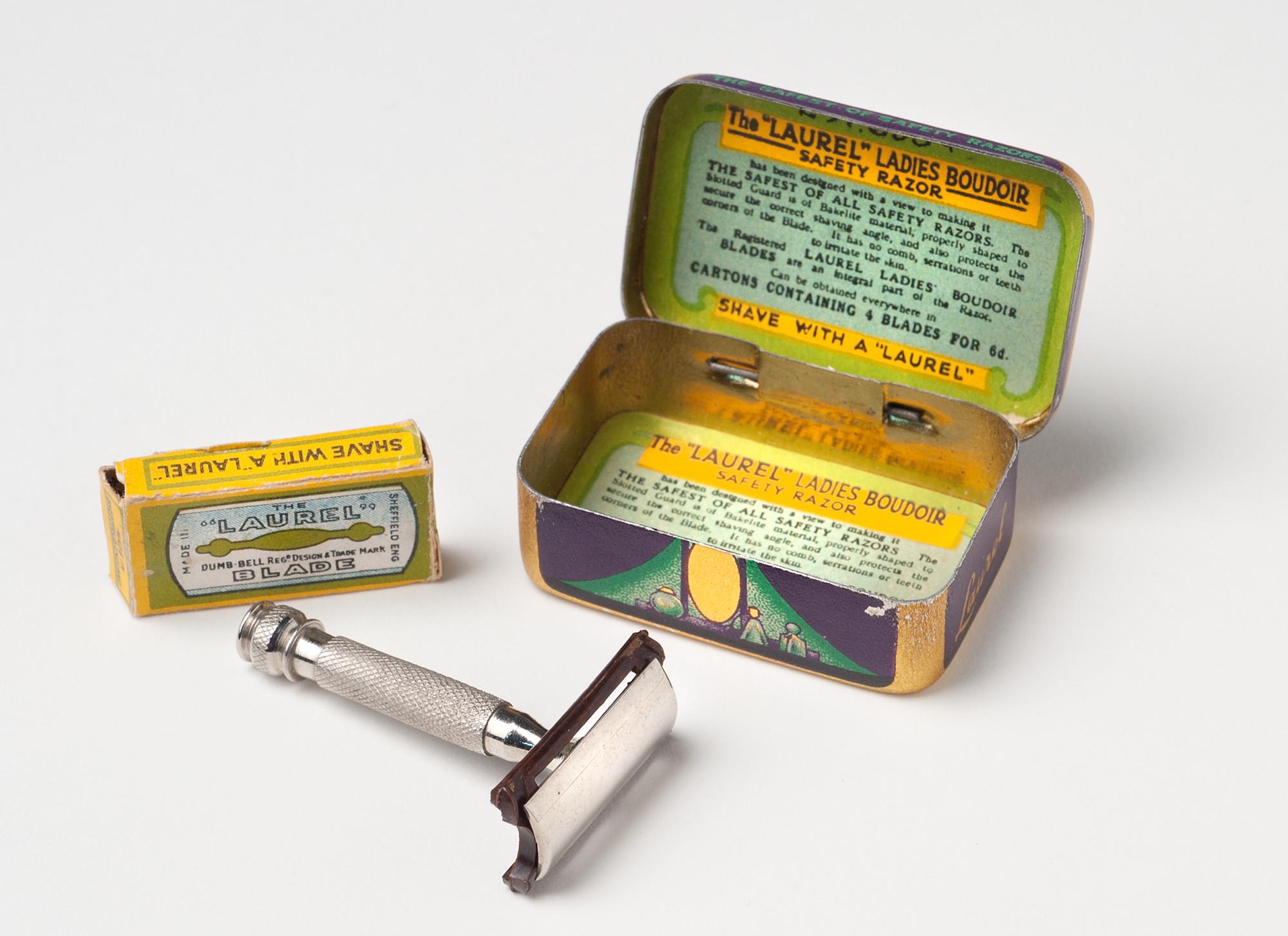 En rakhyvel från 1920-talet, för damer då det för första gången blev aktuellt med kroppshårsborttagning på damer.
