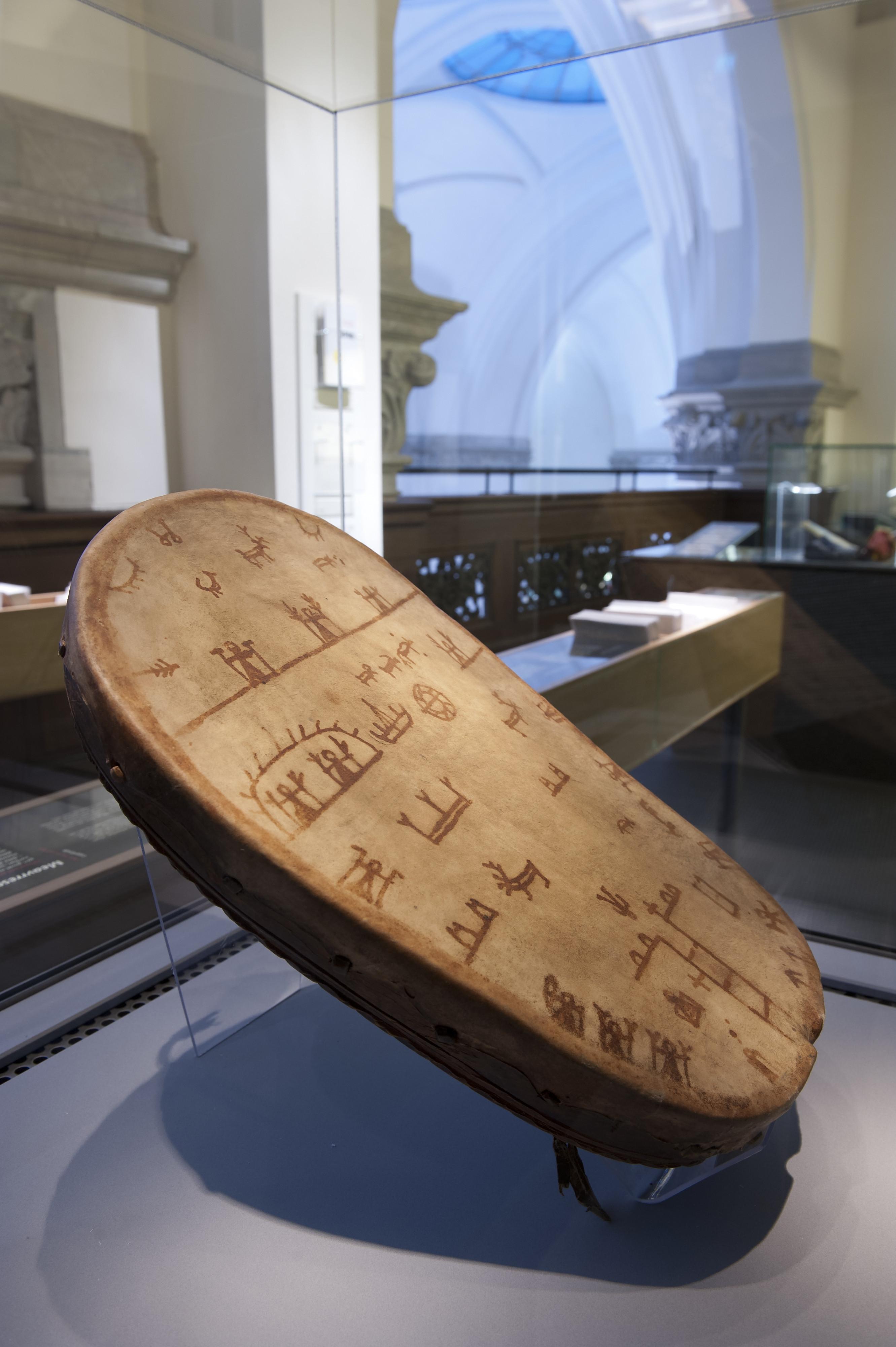 Samisk trumma från 1600-talet, troligen Lule Lappmark. Till Nordiska museet från Historiska museet 1943 (NM.0228846).