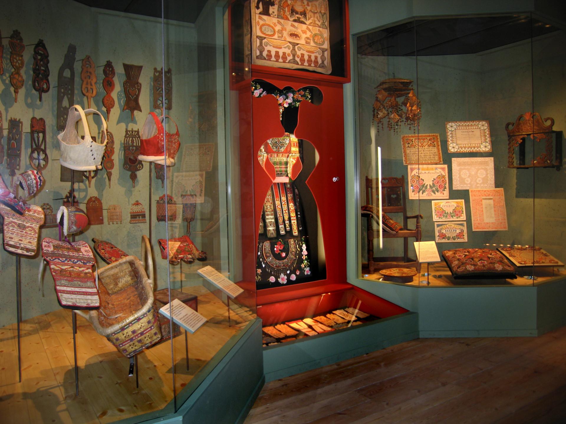Utställningen Folkkonst. Foto: Nordiska museet.