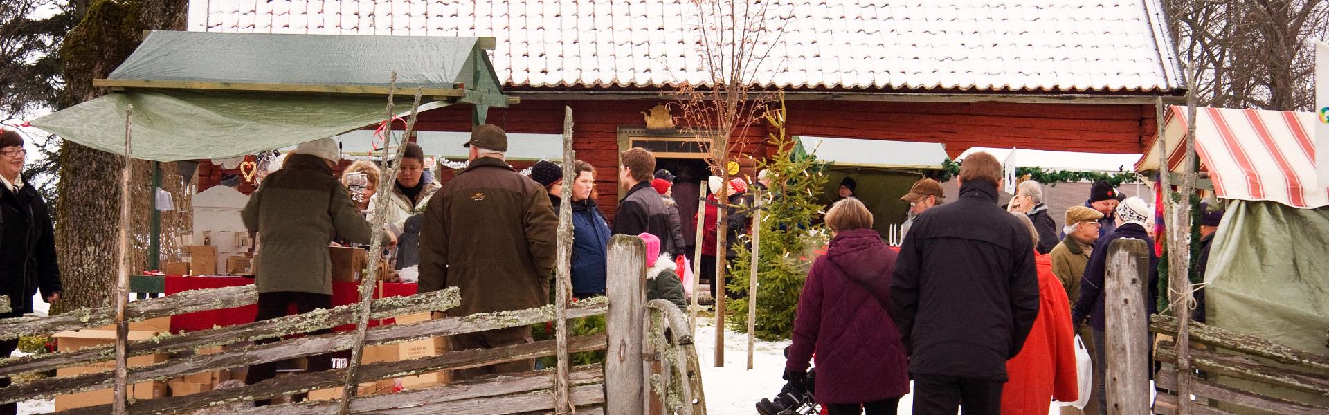 Julmarknad på Härkeberga. Foto: Peter Segemark/ Nordiska museet