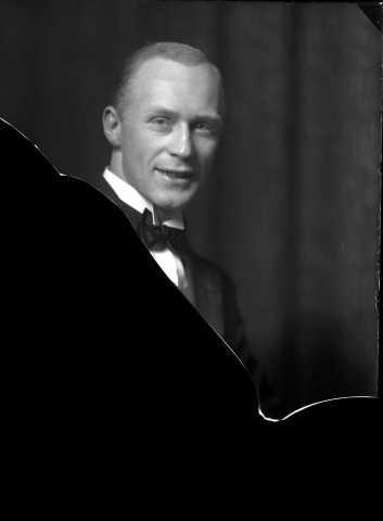 Porträtt av fotografen Gunnar Lundh, ca 1925