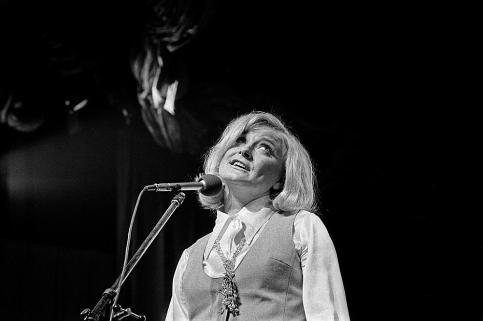 Monica Zetterlund framträder på jazzfestival på Berns, 27 juni 1968