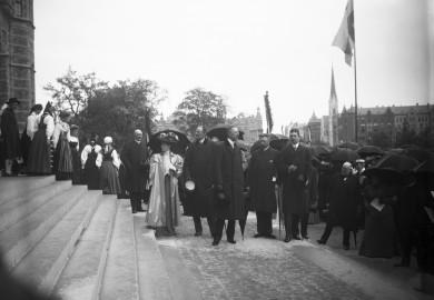 Gustav V besöker Nordiska museet 1907