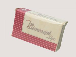 Förpackning Dambinda Mimosept, NM0274284. Foto: Karolina Kristensson, Nordiska museet.