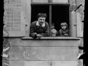 August Strindberg med barnen